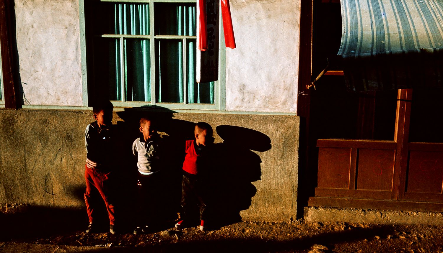 - Children in Unchon ni, Korea - - art  - photography - by Tony Karp